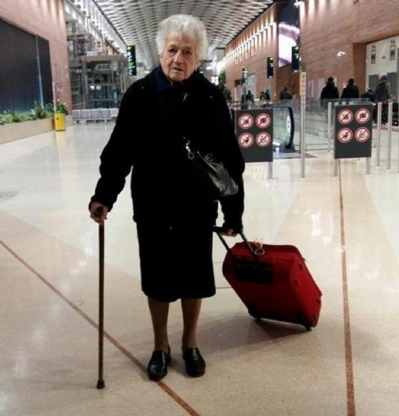 Vicenza, a 93 anni va in Kenya per aiutare i bambini orfani