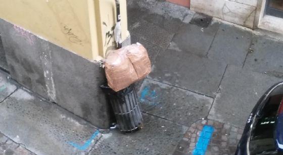Il pacco che ha insospettito un cittadino di Riva, oggi
