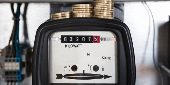 Energia, De Monte: «Inaccettabile scaricare sui consumatori gli oneri dei fornitori»
