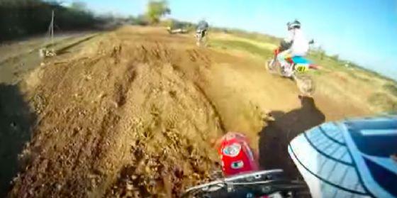 Cade mentre fa motocross: ferito un 16enne