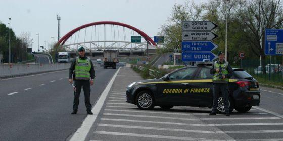 Gorizia, la Guardia di Finanza arresta un latitante condannato per furto e resistenza (© Guardia di Finanza)