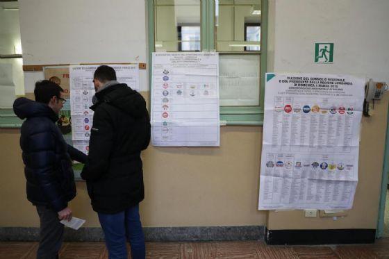 Seggi aperti dalle 7 in tutta Italia, tranne che in alcune zone di Palermo.