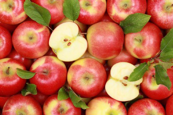La mela annurca evita la caduta dei capelli durante la chemioterapia
