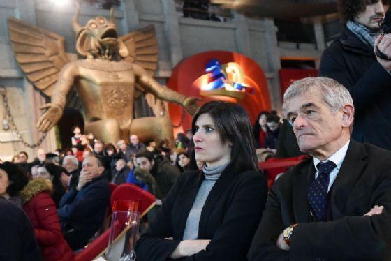Il presidente della Regione Piemonte Sergio Chiamparino con accanto la sindaca di Torino Chiara Appendino