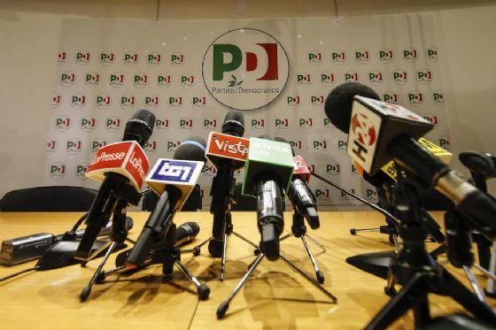 Tracollo del Pd, Renzi decide di dimettersi da segretario