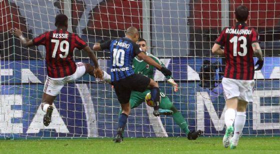 Un'immagine del derby di Coppa Italia giocato il 28 dicembre