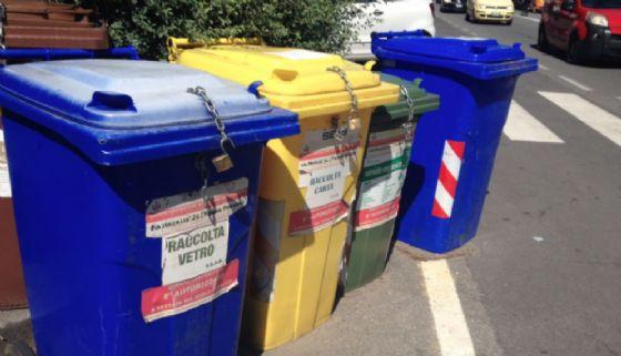 Raccolta rifiuti in città (© Diario di Biella)