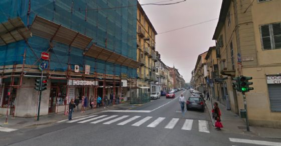 Incendio nella notte in via San Donato (© Google Street View)
