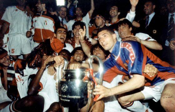 Il Milan di Filippo Galli festeggia la vittoria della Champions League nel 1994