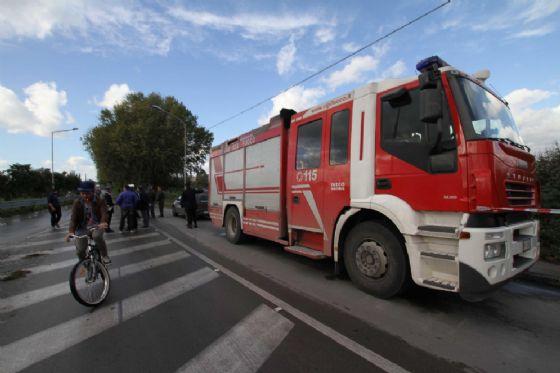 Incidente ad Asigliano, Vigili del fuoco estraggono dalle lamiere il conducente
