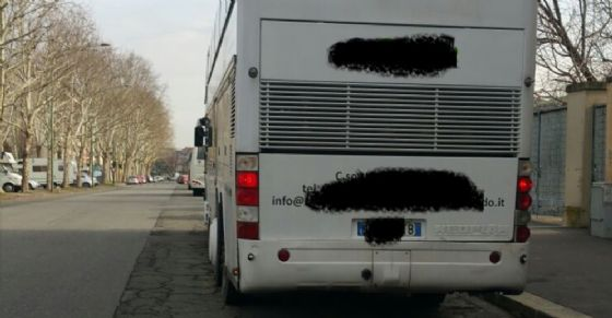Autobus fermato durante i controlli di sabato 10 marzo (© Polizia Municipale di Torino)