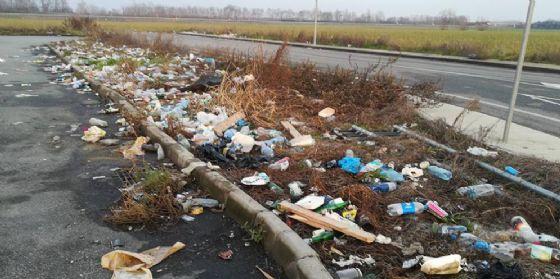 Immondizia e degrado: a Palmanova gli effetti della concorrenza sleale dell'Est