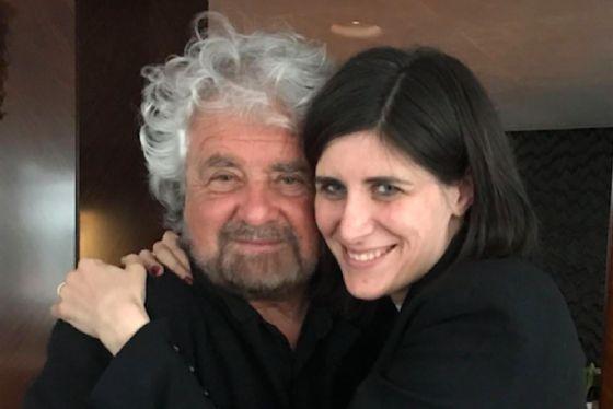 Il fondatore del M5s Beppe Grillo con la sindaca di Torino Chiara Appendino