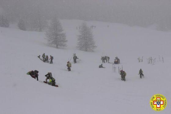 L'esercitazione del Soccorso Alpino nel recupero di feriti dopo una valanga (© Soccorso Alpino CNSAS Piemonte)