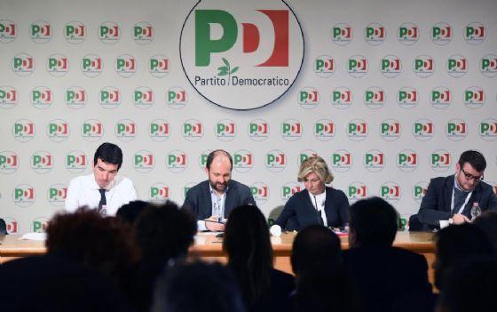 Maurizio Martina e Matteo Orfini durante la direzione del Partito Democratico
