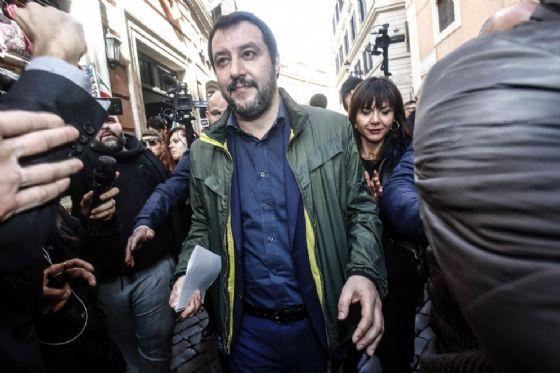 Il segretario della Lega Matteo Salvini arriva alla Stampa Estera