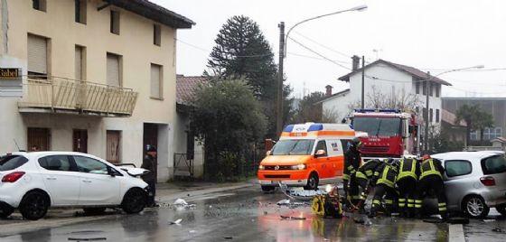 Scontro frontale a Gorizia nella frazione di Piedimonte: due feriti (© Foto di Sergio Marini)