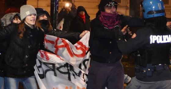 Blitz delle forze dell'ordine: arresti e perquisizioni dopo il corteo antifascista
