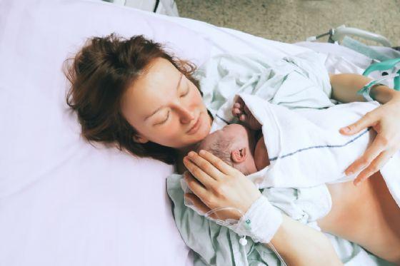 Cesena, in fin di vita per un aneurisma: partorisce in Neurochirurgia