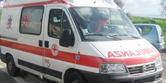 Incidente a Porcia, camion contro moto, finisce all'ospedale