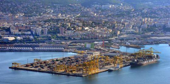 Inaugurato parco ferroviario ro-ro al Porto di Trieste (© ANSA)