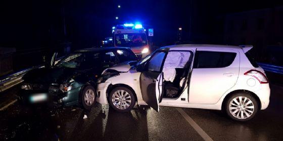 Incidente stradale sul cavalcavia ferroviario all'imbocco di viale Palmanova
