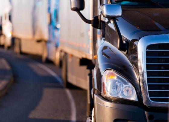 Corso di formazione a numero chiuso nel settore di autostrasporto merci (© Vitpho (tramite shutterstock))