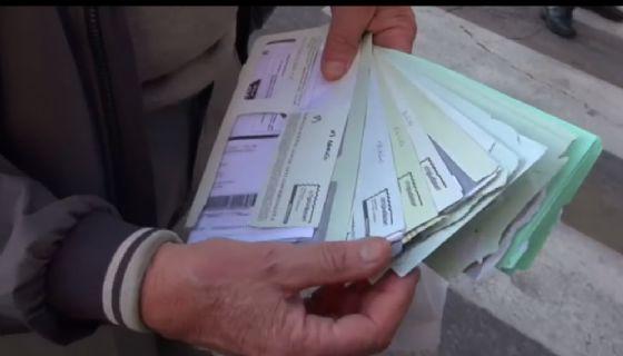 Via di Portonaccio: un cittadino mostra le multe ricevute dopo aver percorso per giorni la preferenziale