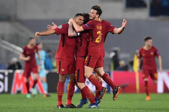 Un'immagine del trionfo di ieri sera, la Roma rimonta il Barcellona vincendo 3 a 0