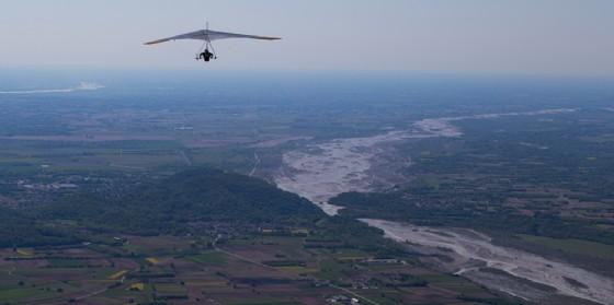 Torna lo Spring Meeting: gara internazionale di deltaplano nonchè festa del volo libero