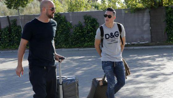 Reina e Callejon, ragazzi con la valigia