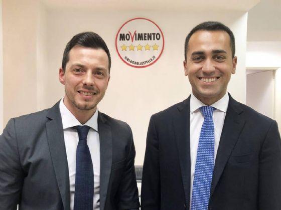 Il candidato M5S alle Regionali del Molise, Andrea Greco, con Luigi Di Maio