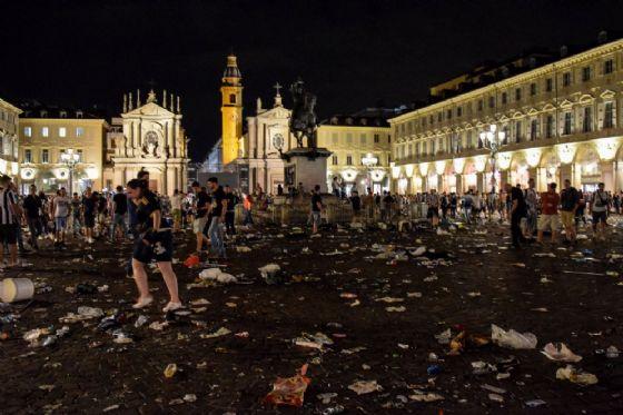 Piazza San Carlo la notte del 3 giugno