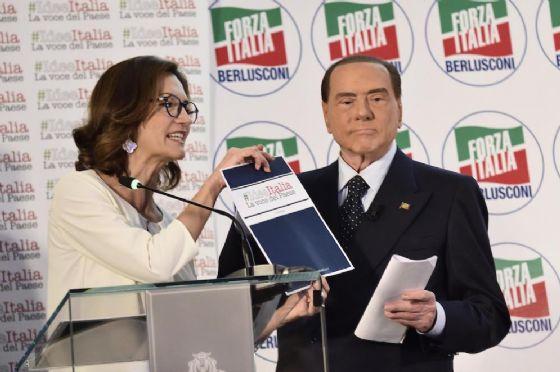 Mariastella Gelmini e Silvio Berlusconi.