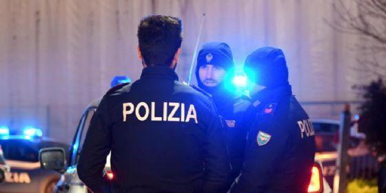 La Polizia ha inseguito lo scooter e ha poi arrestato il ladro