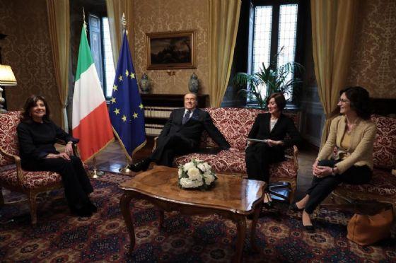 La presidente Maria Elisabetta Casellati con la delegazione di Forza Italia.