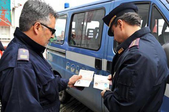 Porto nuovo, Trieste, fermato e denunciato un camionista con una patente falsa (© Polizia  (foto di archivio))