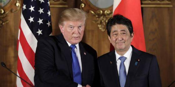 Donald Trump con il Premier giapponese, Shinzo Abe