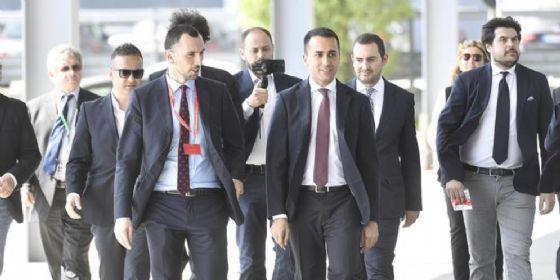 Il capo politico del Movimento 5 Stelle, Luigi Di Maio, in visita al Salone del Mobile