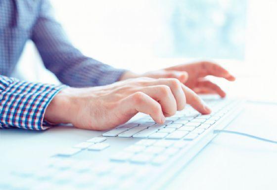 """Seminari di formazione per la piattaforma online """"eAppaltiFVG"""" (© Di Vladyslav Starozhylov (tramite Shutterstock))"""