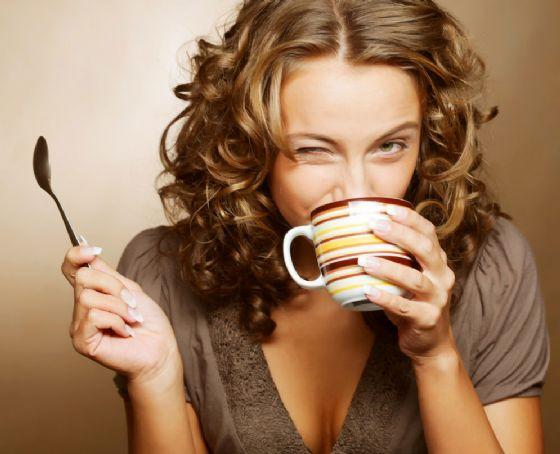 La caffeina in gravidanza può causare sovrappeso e obesità nei bambini