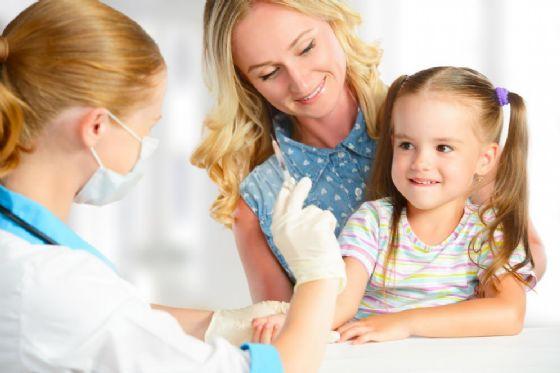 Salute, migliora in tutta Italia la copertura vaccinale