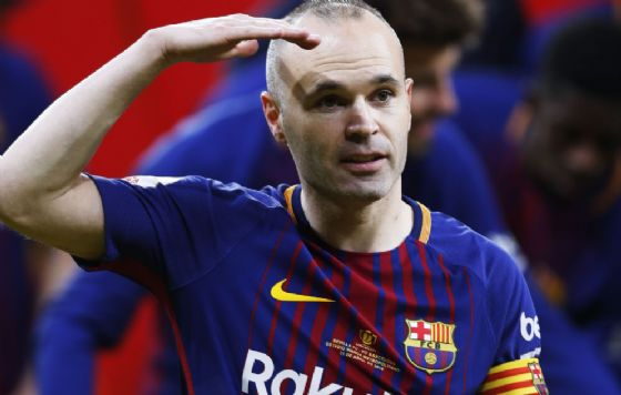 Andres Iniesta dice addio al Barcellona