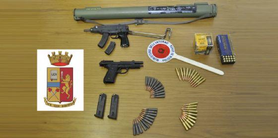 Avevano un arsenale in casa, arrestati padre e figlio. Trovato in Spagna il terzo complice, ricercato (© Polizia di Trieste)