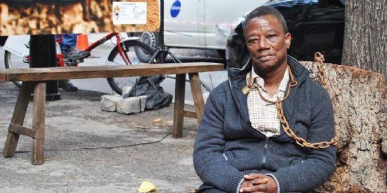 Ahongbonon, l'uomo ha liberato centinaia di 'matti' dalle catene ospite e vicino/lontano