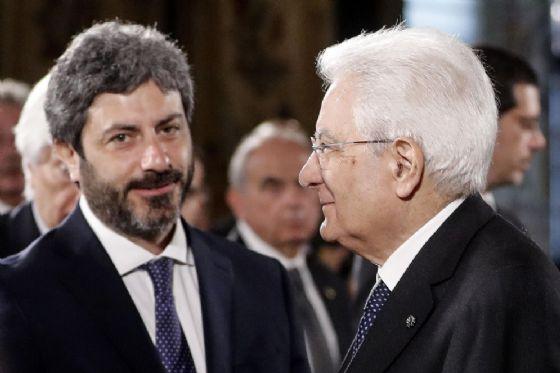 Il presidente della Repubblica Sergio Mattarella con il presidente della Camera Roberto Fico e durante la cerimonia al Quirinale per la Festa del lavoro