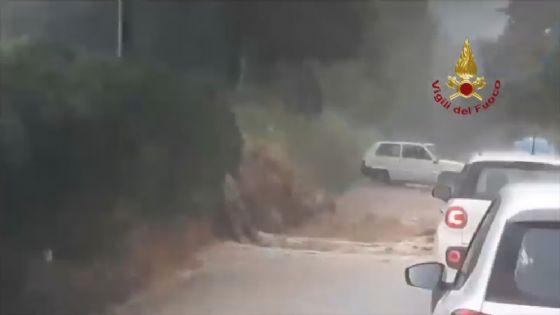 Volterra, nubifragio a Molino d'Era: strade allagate e case isolate