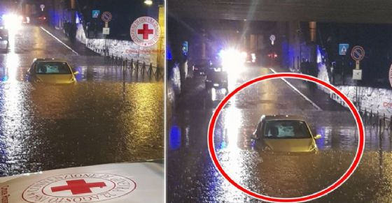 Auto resta sommersa a Bussoleno