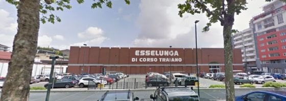 Esselunga di corso Traiano (© Google Street View)