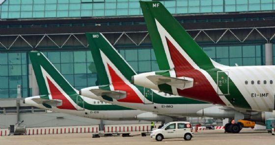 Alitalia cancella il volo Torino-Napoli (© ANSA)